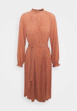 Selected Femme Petite - SLFMELA MIDI DRESS PETITE - Vestido informal - coral gold/aop