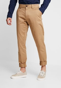 Tommy Jeans - SCANTON PANT - Chinot - brown