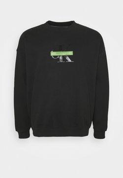 Calvin Klein Jeans Plus - RELAXED FIT CREW - Sweatshirt - black