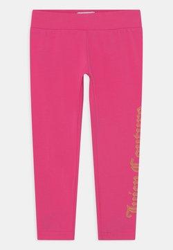 Juicy Couture - JUICY LOGO PRINT - Leggingsit - pink yarrow