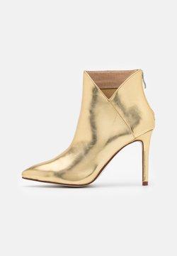BEBO - DIANNE - High Heel Stiefelette - gold