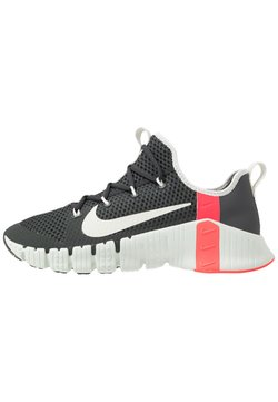 Nike Performance - FREE METCON 3 - Sports shoes - dark smoke grey/spruce aura/laser crimson