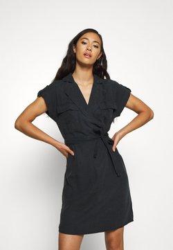 Noisy May - NMVERA ENDI DRESS - Vestido camisero - black