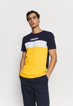 Lacoste - T-shirt imprimé - marine/guepe/blanc