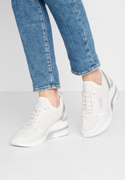Mustang - Sneakers - ice