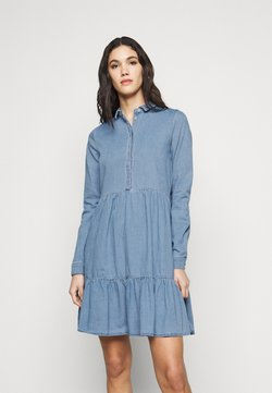 Vero Moda Tall - VMMARIA FRILL DRESS - Denim dress - light blue denim