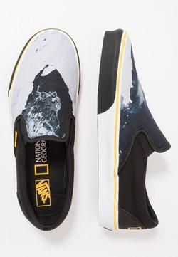 Vans - CLASSIC - Loaferit/pistokkaat - black/blue/yellow