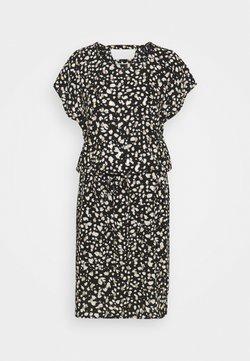 Vero Moda Tall - VMSINAMON DRESS - Freizeitkleid - black