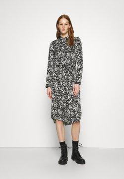 Vero Moda - VMBECKY CALF DRESS - Vestido camisero - black