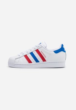 adidas Originals - SUPERSTAR SPORTS INSPIRED SHOES UNISEX - Sneakers laag - footwear white/blue/scarlet