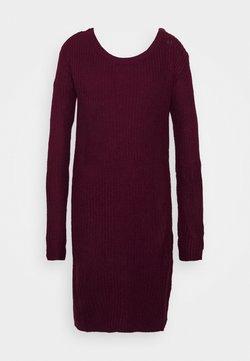 Missguided Tall - AYVAN OFF SHOULDER JUMPER DRESS - Robe pull - burgundy