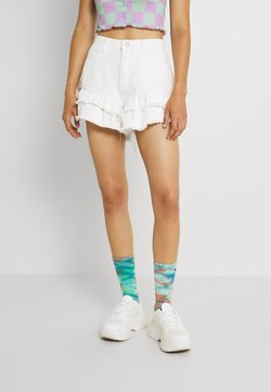 Missguided - VINTAGE PICNIC RUFFLE SHORT - Shorts di jeans - white