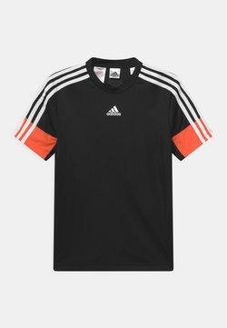 adidas Performance - T-shirt med print - black/orange
