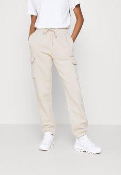Nike Sportswear - CARGO PANT LOOSE - Jogginghose - oatmeal