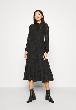 Cream - CRJELENA DRESS 2-IN-1 - Blusenkleid - pitch black