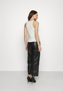 Deadwood - PRESLEY PANTS - Pantalon en cuir - black