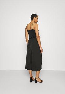 Second Female - MINGA NEW TROUSERS - Pantaloni - black