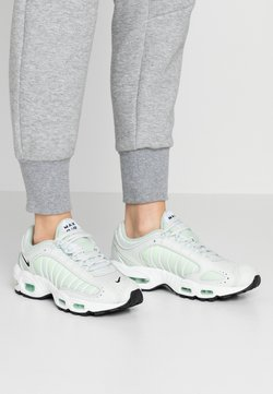 Nike Sportswear - AIR MAX TAILWIND - Sneakers laag - spruce aura/black/white/pistachio frost/barely volt