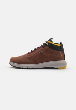Geox - AERANTIS 4X4 ABX - Höga sneakers - brown