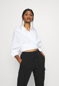 Vero Moda Petite - VMEVA STRING PANT  - Jogginghose - black