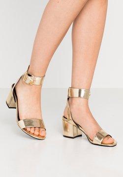 Even&Odd Wide Fit - WIDE FIT - Sandalen - light gold