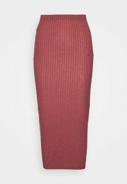 Missguided Tall - MIDI SKIRT - Falda de tubo - red
