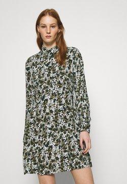 Pieces - PCFRIDINEN DRESS - Blusenkleid - jadeite