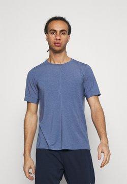 Nike Performance - DRY YOGA - T-Shirt basic - midnight navy/ashen slate