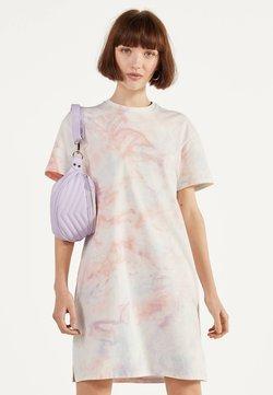 Bershka - IM ACID-WASH-LOOK - Korte jurk - pink