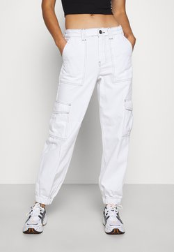 BDG Urban Outfitters - CONTRAST STITCH CUFFED SKATE  - Jeans relaxed fit - white