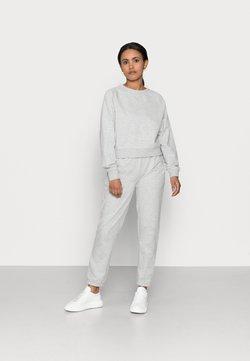 ONLY Petite - ONLZOEY LIFE SET - Langarmshirt - light grey melange