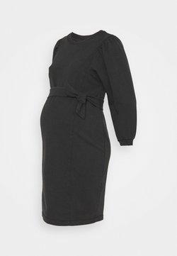 Pieces Maternity - PCMGAHOA DRESS - Vestito di maglina - black/over dyed