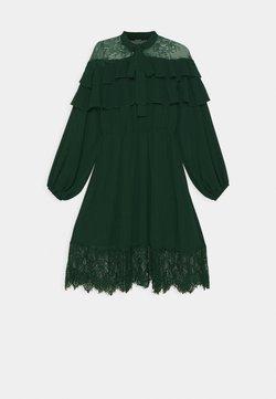 Missguided - ELASTICATED WAIST MIDI DRESS - Robe d'été - green