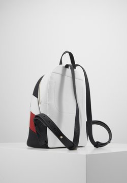 Tommy Hilfiger - CORE BACKPACK CORP - Reppu - white