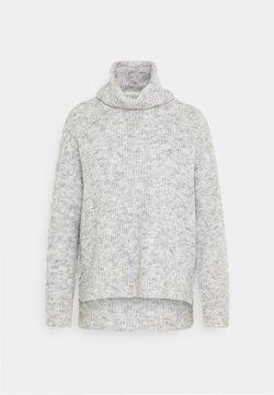 Vero Moda Petite - VMDAISY COWLNECK - Jersey de punto - light grey melange