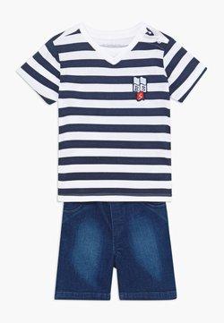 Guess - POLO SHORTS BABY SET  - Short en jean - white/blue stripe