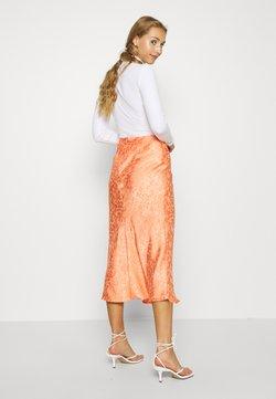 Glamorous - PALOMA MIDI SKIRT - A-line skirt - orange