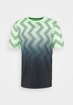 K-SWISS - HYPERCOURT CREW - T-shirt con stampa - soft neon green/blue graphite