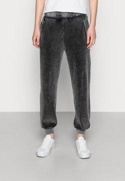 Calvin Klein Jeans - WASH PANT - Jogginghose - black