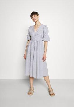 YAS - YASCAMA MIDI DRESS - Blusenkleid - dusk blue