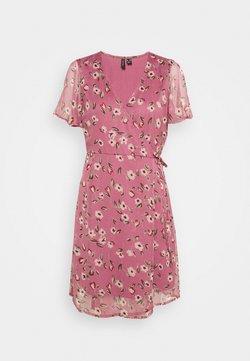 Vero Moda Petite - VMKAY WRAP DRESS - Freizeitkleid - hawthorn rose