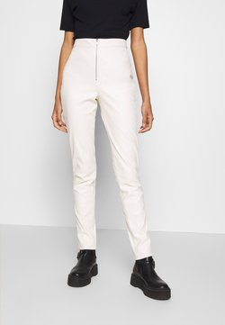 Ivyrevel - FAUX LEATHER TROUSERS - Skindbukser - off white