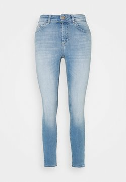 ONLY Petite - ONLBLUSH LIFE - Jeans Skinny Fit - light blue denim