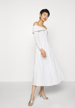 Who What Wear - THE OFF THE SHOULDER DRESS - Sukienka koszulowa - white