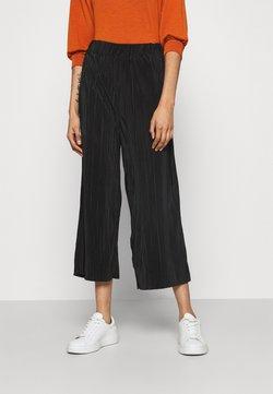 Cotton On - POPPY PLEATED CULOTTE - Pantalon classique - black
