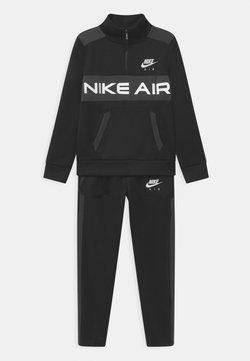 Nike Sportswear - AIR SET UNISEX - Trainingspak - black/dark smoke grey/white