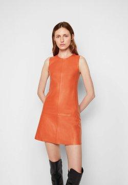 Victoria Victoria Beckham - SHIFT DRESS - Vardagsklänning - geranium red