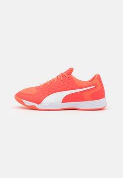 Puma - AURIZ UNISEX - All court tennisskor - red blast/white