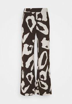Stieglitz - KOGARA PANTS - Stoffhose - brown
