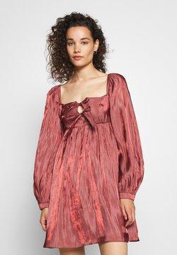 Who What Wear - TIE FRONT BABY DOLL DRESS - Vestido informal - dark blush